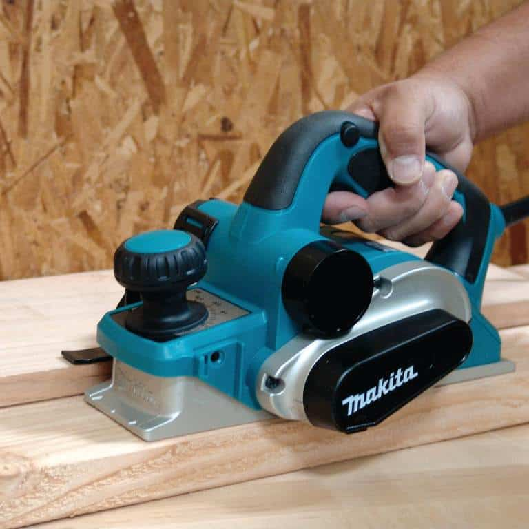 Makita KP0810 Review: A Heavy Performer that Prioritizes the Safety and Comfort of Users